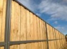 Kwikfynd Lap and Cap Timber Fencing airdmillan